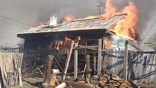 Feuer in Sibirien: Häuser brennen lichterloh