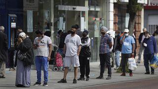 Covid-19: İngiltere'de fakirler arasındaki ölüm oranı zenginlerden iki kat fazla