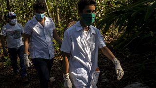 Küba'da sessiz 1 Mayıs 'beyaz önlüklü orduya' adandı