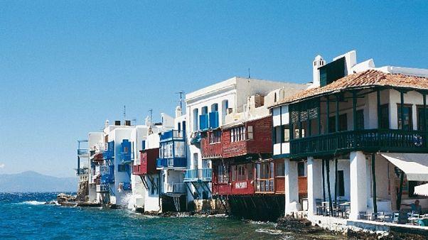 TUI: Ελλάδα και Κύπρος έχουν «καλές πιθανότητες» να ανοίξουν σύντομα για τουρισμό