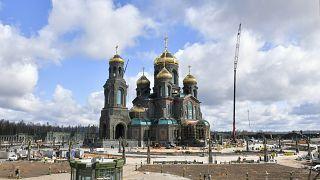الكنيسة الروسية تعدل عن نصب فسيفساء لبوتين في كاتدرائية قرب موسكو