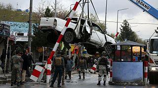 خلیلزاد: طالبان و نیروهای افغانستان خشونت را متوقف کنند