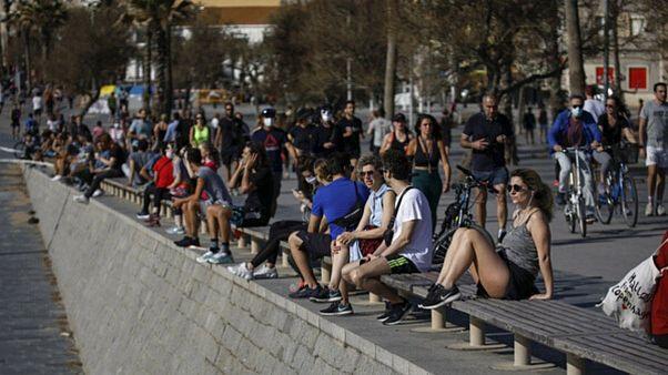 مردم اسپانیا پس از چند هفته طعم آزادی پسا قرنطینه را چشیدند