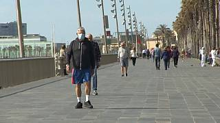Los españoles vuelven a salir a las calles a pasear y hacer deporte
