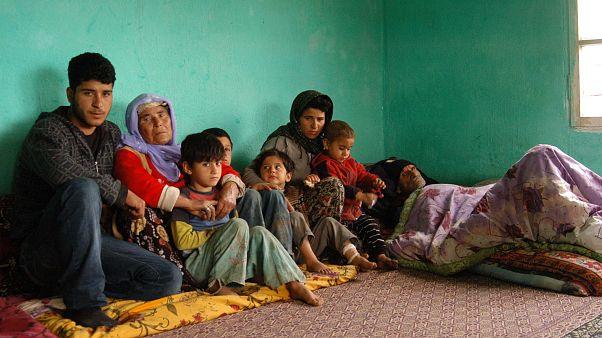 Adana'da babasına ait tek odalık evde yaşayan aileye kaymakamlık sahip çıktı