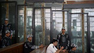 وفاة مخرج شاب داخل السجن بعد عامين من الحبس الاحتياطي بسبب أغنية تسخر من الرئيس المصري