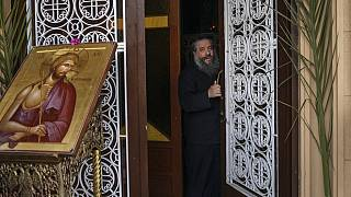 Ελλάδα: Χωρίς λειτουργίες οι εκκλησίες μέχρι τις 16 Μαΐου