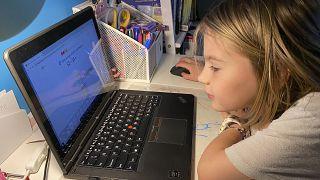 Covid-19 sebebiyle uzaktan eğitim önem kazanırken Türkiye'de öğrencilerin yüzde 30'dan fazlası bilgisayara erişemiyor