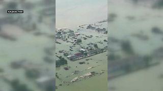 Прорыв узбекской дамбы затопил юг Казахстана