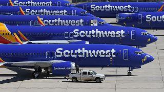 طائرات ساوث ويست إيرلاينز  في مطار جنوب كاليفورنيا