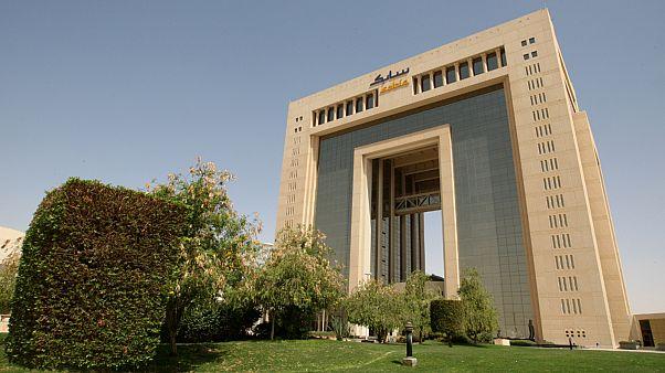 """خسائر كبيرة لعملاق الصناعة البتروكيميائية السعودية """"سابك"""" بسبب كورونا"""