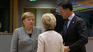 Bundeskanzlerin Merkeln, Kommissionspräsidentin von der Leyen und Ministerpräsident Rutte