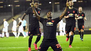 Odion Ighalo, a Manchester United játékosa gólt ünnepel a LASK Linz elleni zártkapus Európa-liga meccsen március 12-én