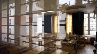 Aulas vacías en un colegio francés