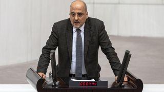 HDP İstanbul Milletvekili Ahmet Şık, partisinden istifa etti