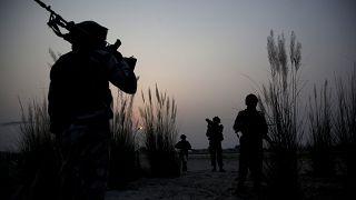 Sınırda görev yapan Hindistan askerleri (arşiv)