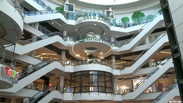 Polonia reabre sus centros comerciales