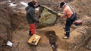 ۷۵ سال پس از جنگ جهانی دوم؛ حفاریها برای یافتن سربازان مفقود ادامه دارد