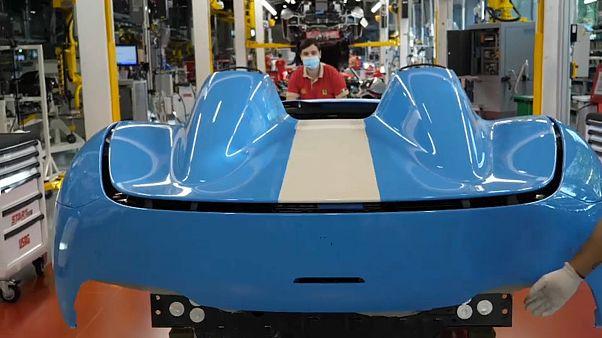 Ferrari rouvre son usine, la Formule 1 veut redémarrer sur les chapeaux de roue