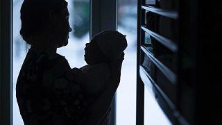 Число случаев домашнего насилия в России за время карантина выросло в 2,5 раза