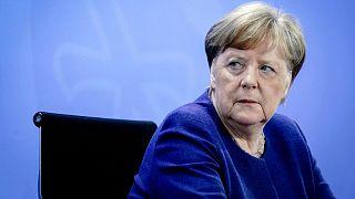 المقاطعات الألمانية تتجاهل نصائح ميركل