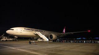 Maldivler'den getirilen Türk vatandaşları Ankara'ya indi