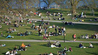 متنزه بالعاصمة السويدية في 22/ابريل 2020