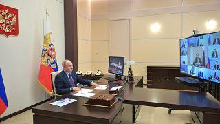 Правительство России представило план выхода из карантина