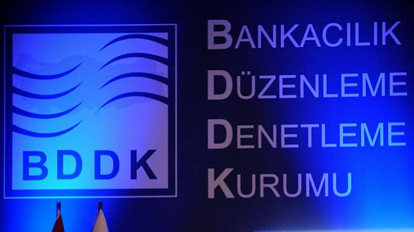 Dolar kuru tarihi rekorunu kırarken BDDK'dan yurt dışındaki TL işlemlerine kısıtlama