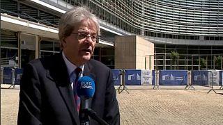 Επίτροπος για την Οικονομία στο euronews: «Γιατί είναι τόσο ψηλά η ύφεση στην Ελλάδα»