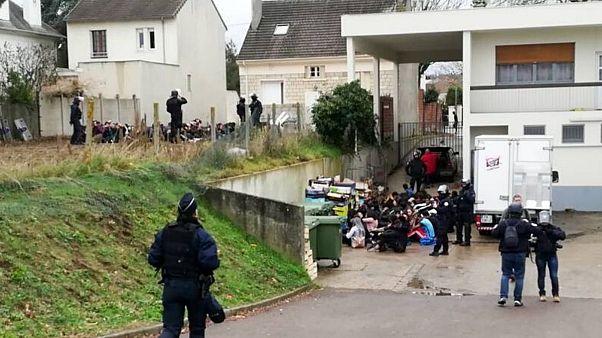 دادگستری فرانسه پلیس این کشور را به اتهام شکنجه کودکان زیر ۱۵ سال تحت تعقیب قرار داد