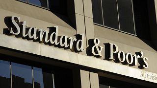 S&P Türkiye'nın kredi notunu değiştirmedi, resesyon uyarısı yaptı