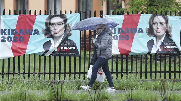 Elhalasztják a lengyel elnökválasztást a koronavírus-járvány miatt