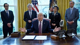 الرئيس الأمريكي دونالد ترامب في المكتب البيضاوي للبيت الأبيض في واشنطن العاصمة