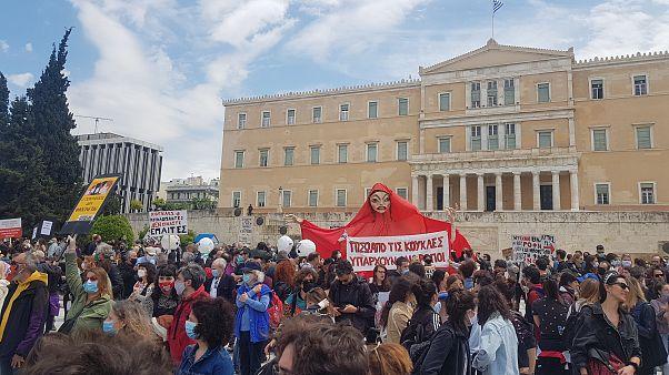 Πλατεία Συντάγματος: Μεγάλη συγκέντρωση των εργαζομένων στον πολιτισμό
