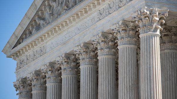 في سابقة هي الأولى .. صوت مرحاض يوقف مرافعة أمام المحكمة العليا الأمريكية