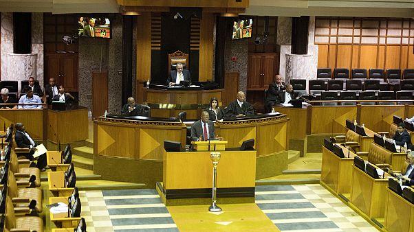 بث مواد إباحية خلال جلسة لبرلمان جنوب إفريقيا