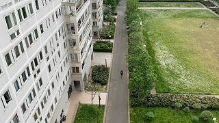 Франция: пригород без компьютера