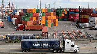 با وجود تنش بر سر شیوع کرونا، چین و آمریکا بر اجرای توافقات تجاری تاکید کردند