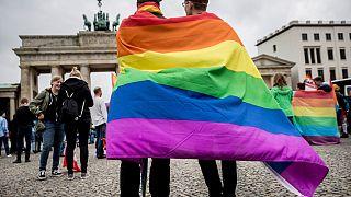 """ألمانيا تجرّم """"علاج تحويل المثليين"""" لمن هم دون 18 عاماً"""