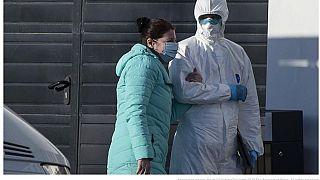 Le menzogne di Mosca sul coronavirus nelle parole dei testimoni