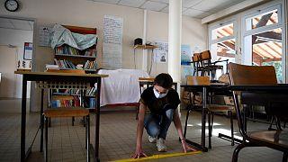 Frankreich öffnet wieder die Schulen: Lernen mit Abstand
