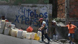 Bewohnerinnen von Petare, einer armen Vorstadt von Caracas