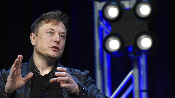 Elon Musk kiakadt, el akarja költöztetni a Tesla központját Kaliforniából
