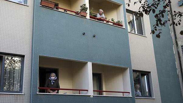 Türkiye'de 65 yaş üstü için sokağa çıkma kısıtlamasına 4 saatlik ara verildi