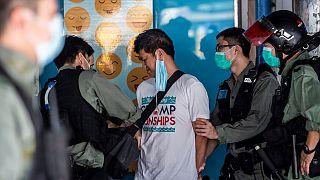 No Comment : à Hong Kong, manifestations simultanées dans des centres commerciaux