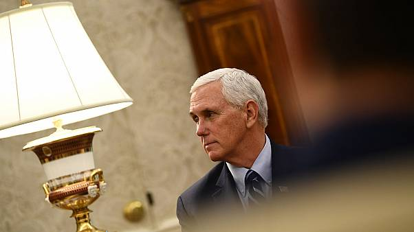 Le vice-président des Etats-Unis, Mike Pence, le 7 mai 2020 dans le Bureau ovale de la Maison-Blanche.