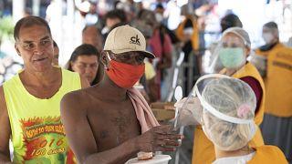 Ajudar sem-abrigo a lutar contra o coronavírus