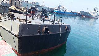 Image du Konarak, navire touché par un tir ami lors d'exercices en mer d'Oman, à quai de Jask dans le sud de l'Iran, le 11 mai 2020.