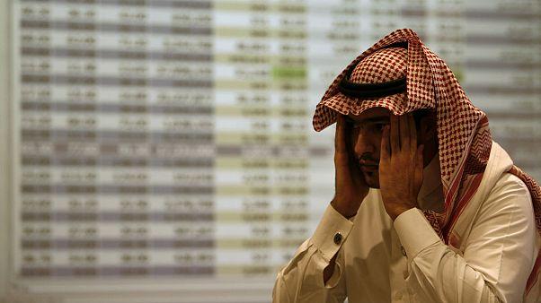 عربستان یارانه ۲۶۷ دلاری کارکنان دولت را قطع میکند